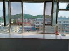 转盘中兴大厦家属楼2室1厅1卫750元/月包取暖70m²出租
