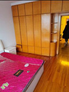 2室1厅1卫800/月77m²出租