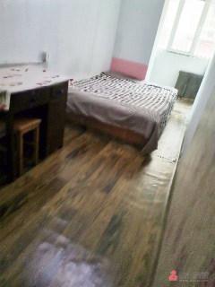 4室1厅1卫400元/月15m²出租